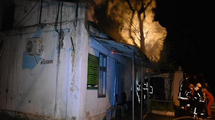В Одессе при пожаре на кладбище погибла женщина