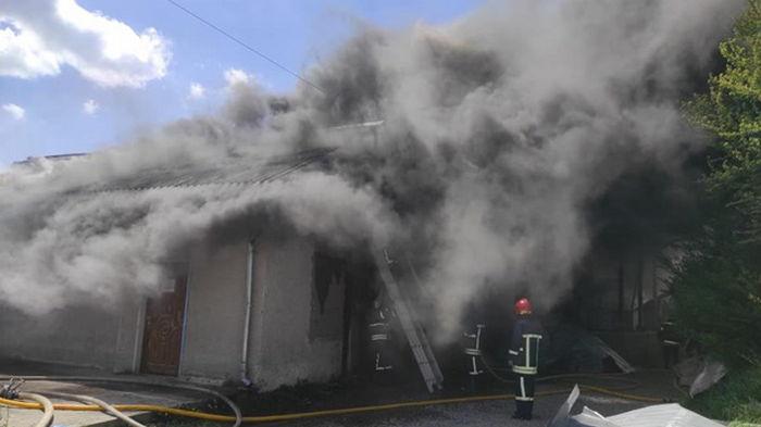 В Ивано-Франковске возник масштабный пожар (видео)