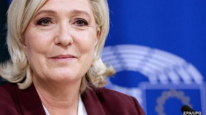 Ле Пен подозревают в систематическом злоупотреблении средствами ЕС - СМИ