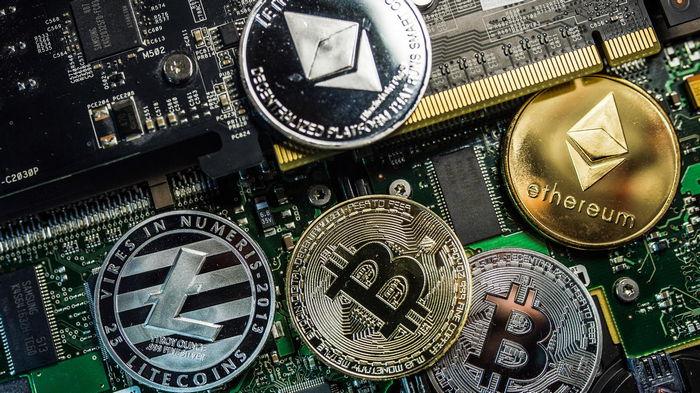 Рынок криптовалют потерял $1 трлн капитализации за один день