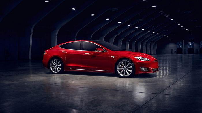 Владельцы Tesla Model S могут получить по $16 тыс