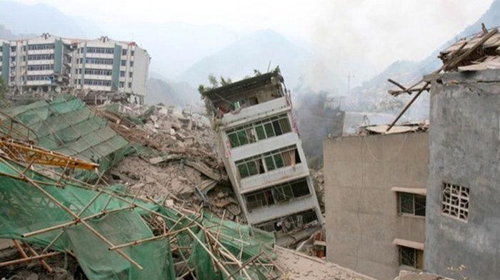 В Китае зафиксировано второе землетрясение за день, есть жертвы (видео)