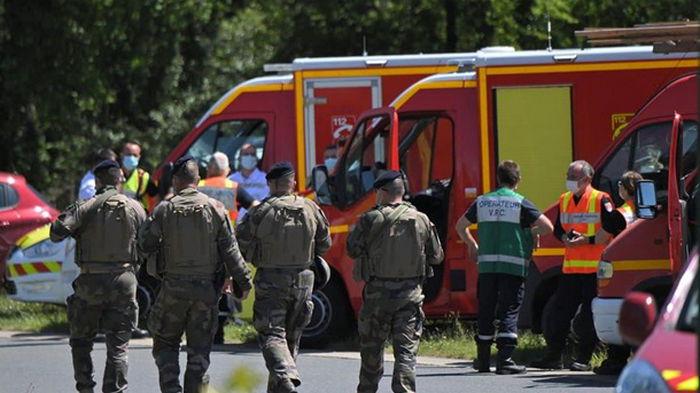 Житель Франции с ножом напал на полицейскую
