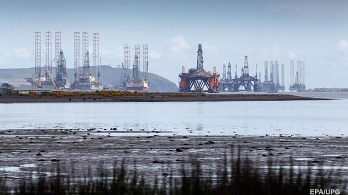Нефть торгуется на максимуме за три недели