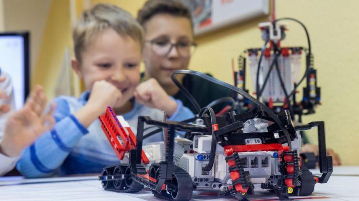 Робототехника для детей: особенности и преимущества