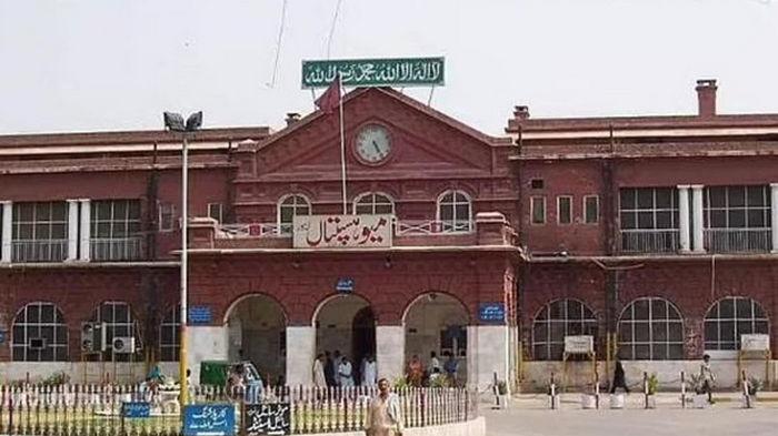В Пакистане охранник выдал себя за врача и оперировал пациентку