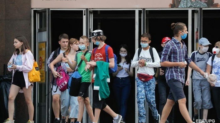 В Украине за сутки меньше тысячи случаев COVID-19