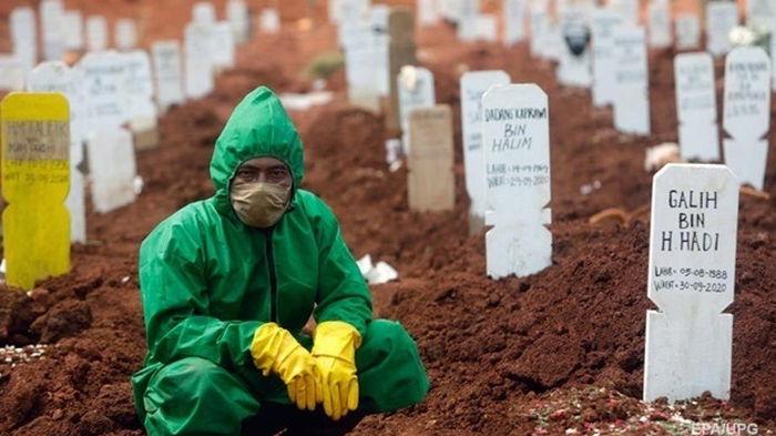 Число умерших от COVID в 2021 году превысило число смертей за прошлый год