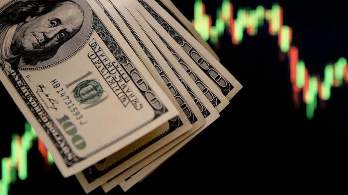 Доллар подорожал после заседания ФРС: рекорд с начала пандемии