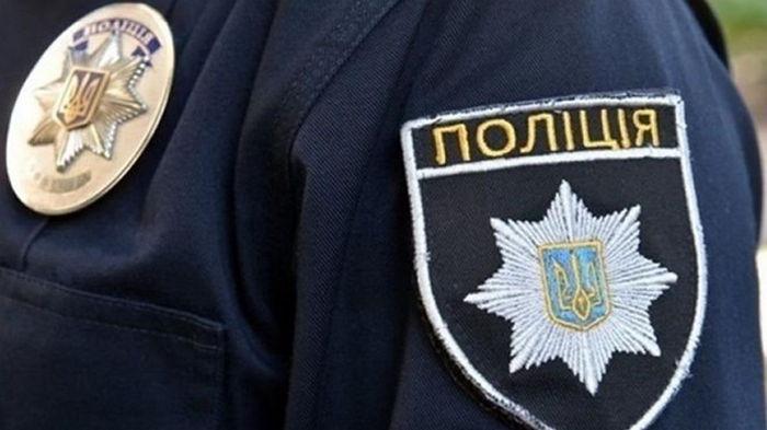 В Днепре подростки избили и ограбили полицейского - СМИ