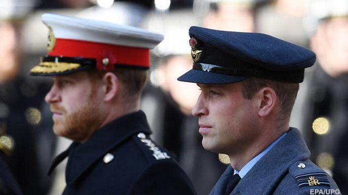 Принц Уильям выселил брата с супругой из Кенсингтонского дворца − СМИ