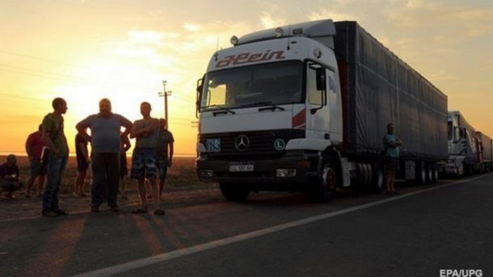 Из-за жары в Киеве ограничивают въезд грузовиков