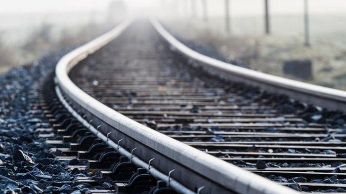 Под Киевом сошел с рельсов поезд