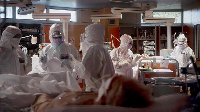 В РФ новый суточный рекорд по смертности от COVID-19