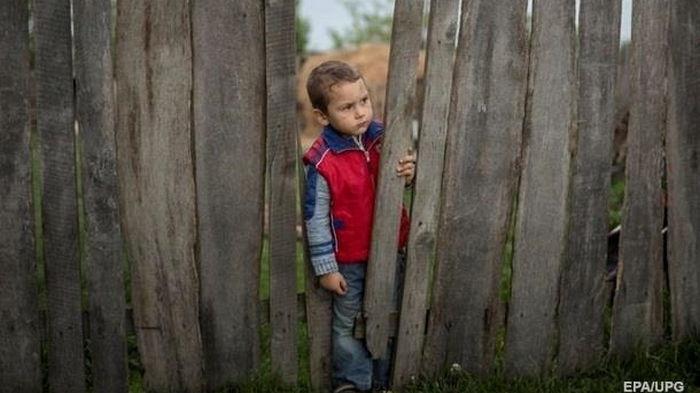 Из-за пандемии 1,5 млн детей потеряли родных