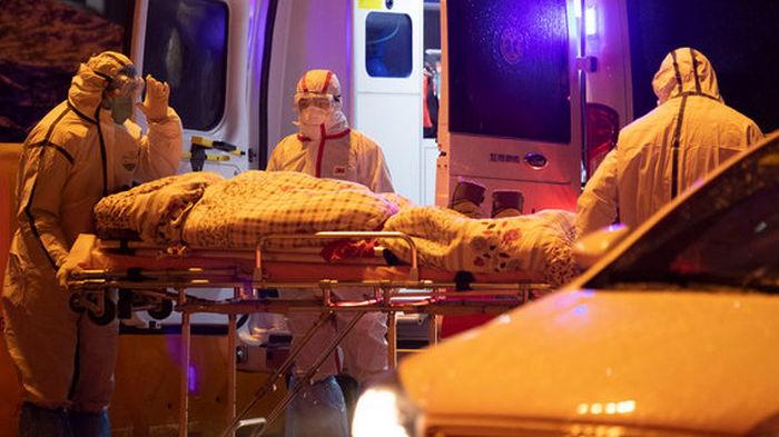 Четвертый день подряд в России фиксируют более 800 смертей от коронавируса