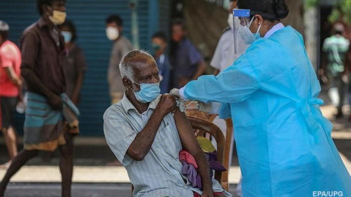 В мире сделали более 5 млрд прививок от COVID-19