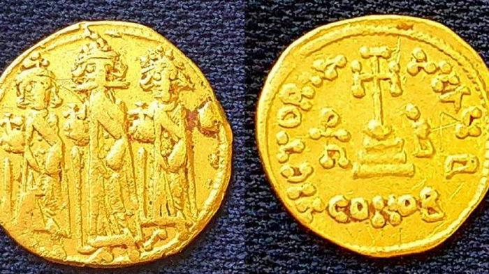 Археологи нашли золотую монету императора, потерявшего Иерусалим