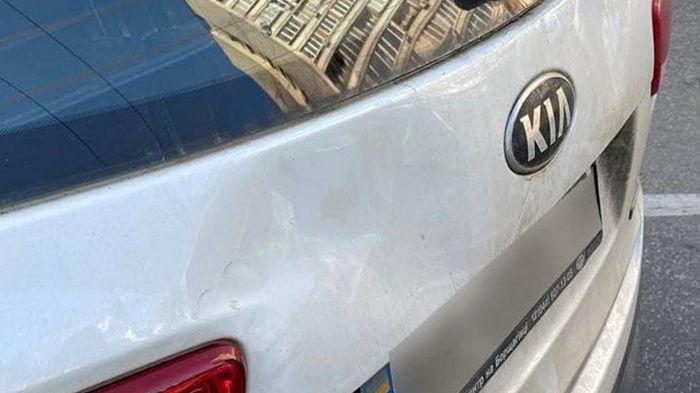 Требовал пропустить: в Киеве водитель наехал на патрульного