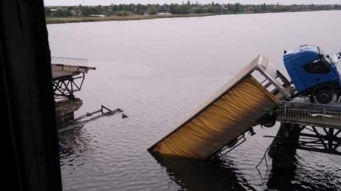 Укравтодор о рухнувшем мосте: Был ограниченно трудоспособным (видео)
