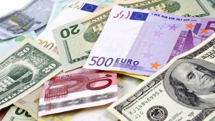 Курсы валют на 2 сентября: гривна упала ниже психологической отметки