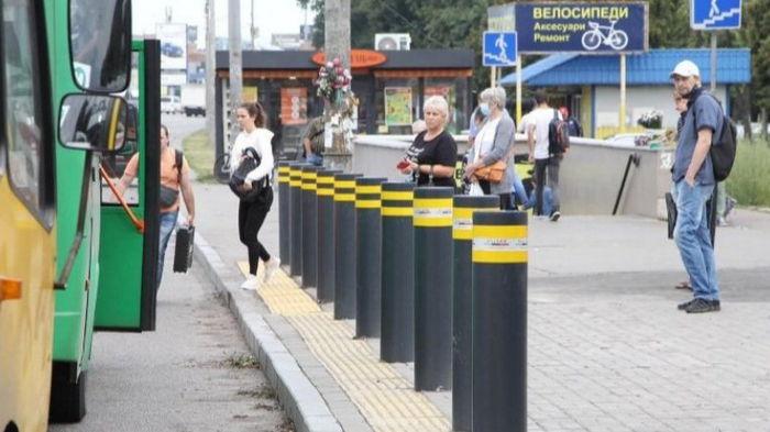 На Окружной дороге в Киеве установили первую систему защиты остановки общественного транспорта