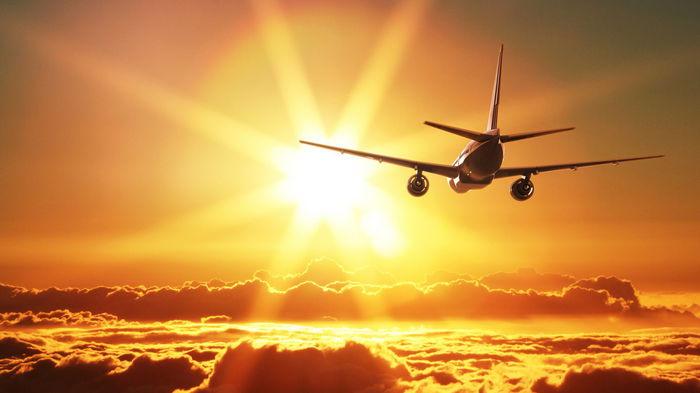 Солнечные вспышки опасны для пассажиров самолетов и космических туристов, – ученые