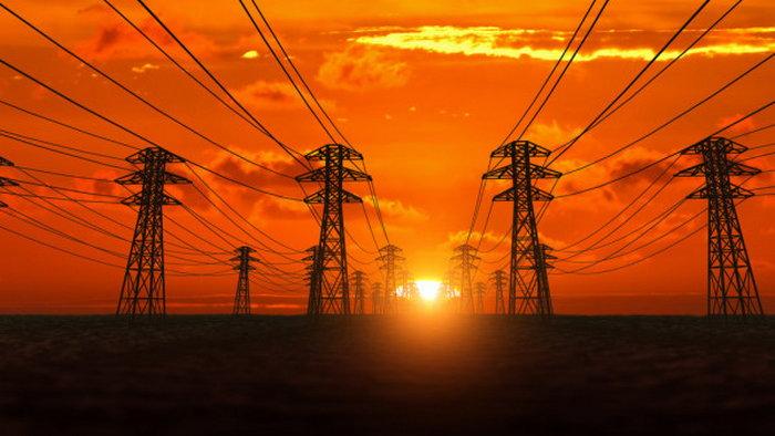 С кем заключить договор на поставку электроэнергии?