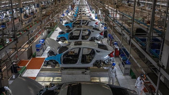 Производство крупного японского автоконцерна обвалилось из-за дефицита чипов