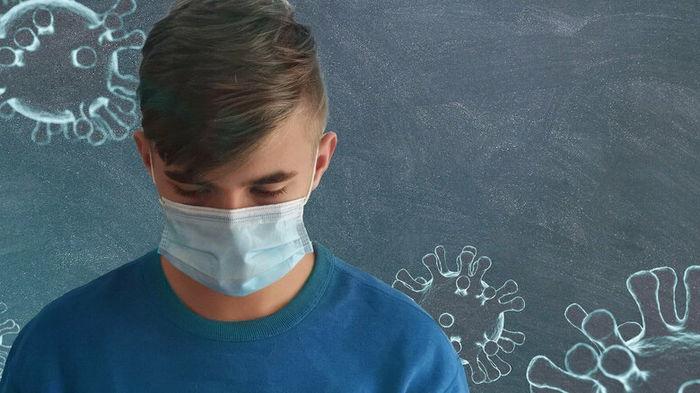 На Закарпатье начнут закрывать школы с низким уровнем вакцинации