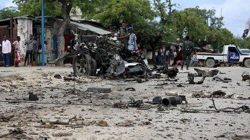 Восемь человек погибли при взрыве возле дворца президента Сомали