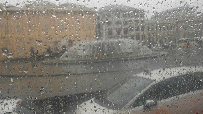 В Италии приостановили местные выборы из-за ливней и наводнений