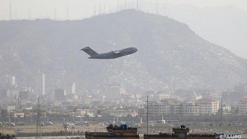 Между Афганистаном и Пакистаном приостановлено авиасообщение