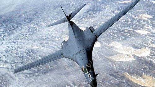 США перебросили в Европу четыре бомбардировщика