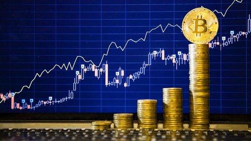 Bitcoin преодолел отметку $62 000 и приближается к историческому макси...