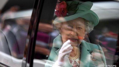 Елизавета II полностью отказалась от алкоголя