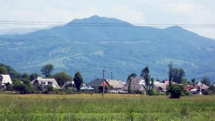 В селе на Закарпатье вспышка COVID-19, но люди отказываются от тестов