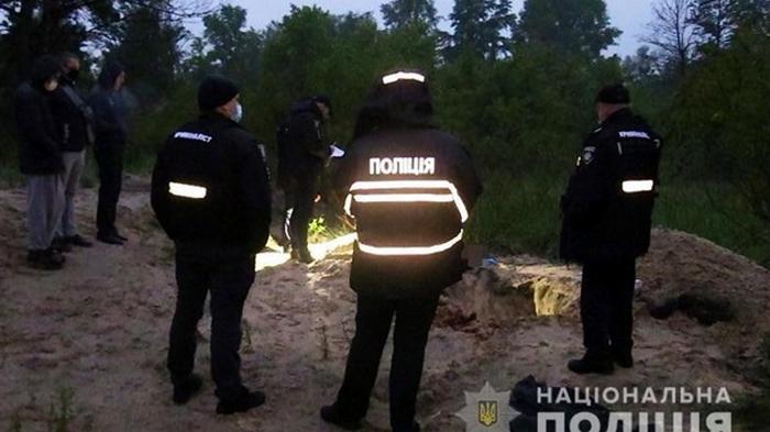 В Киеве утопили и закопали рыбака из-за авто (видео)