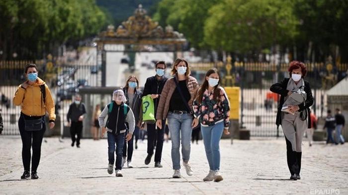 Во Франции минимум жертв с начала пандемии